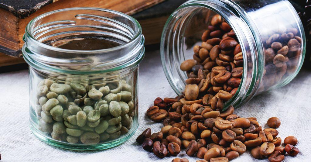 chicchi di caffè verde non torrefatto